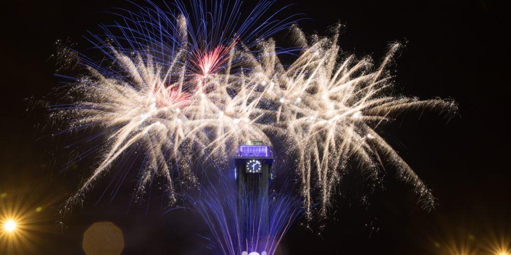 Tečku za oslavami 750. výročí udělal velkolepý ohňostroj