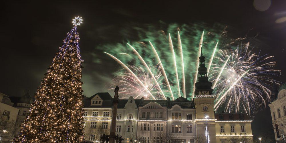 Masarykovo náměstí dnes rozzáří mikulášský ohňostroj