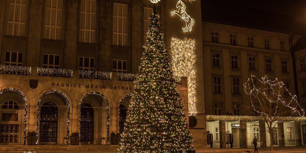 Rozsvícení vánočních stromů v Ostravě