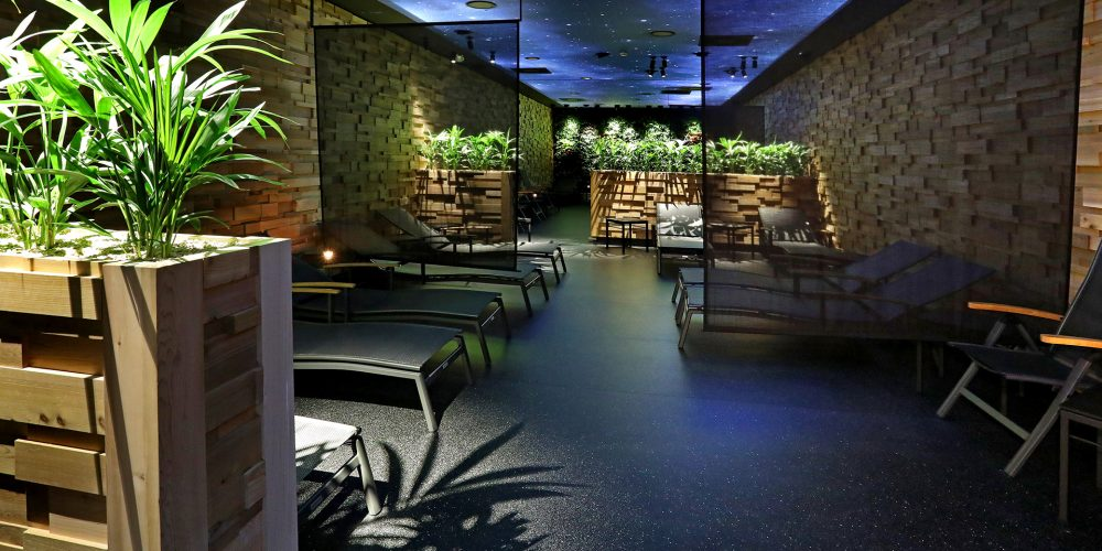 Dnes bylo slavnostně otevřeno saunové centrum Saunia v OC Futurum