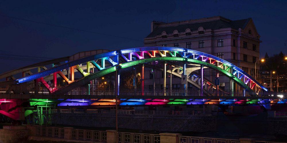 Během festivalu Colours of Ostrava budou duhově nasvětleny ostravské dominanty
