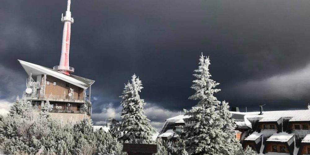 Do hor dorazila zima