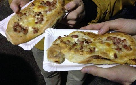 Pečený chléb z pece -  smetanový se slaninou